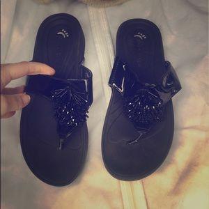 Bare traps sandals flip flops black bling sequins
